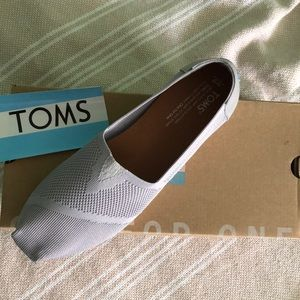 TOMS classic Drizzle Grey Custom Knit size 9